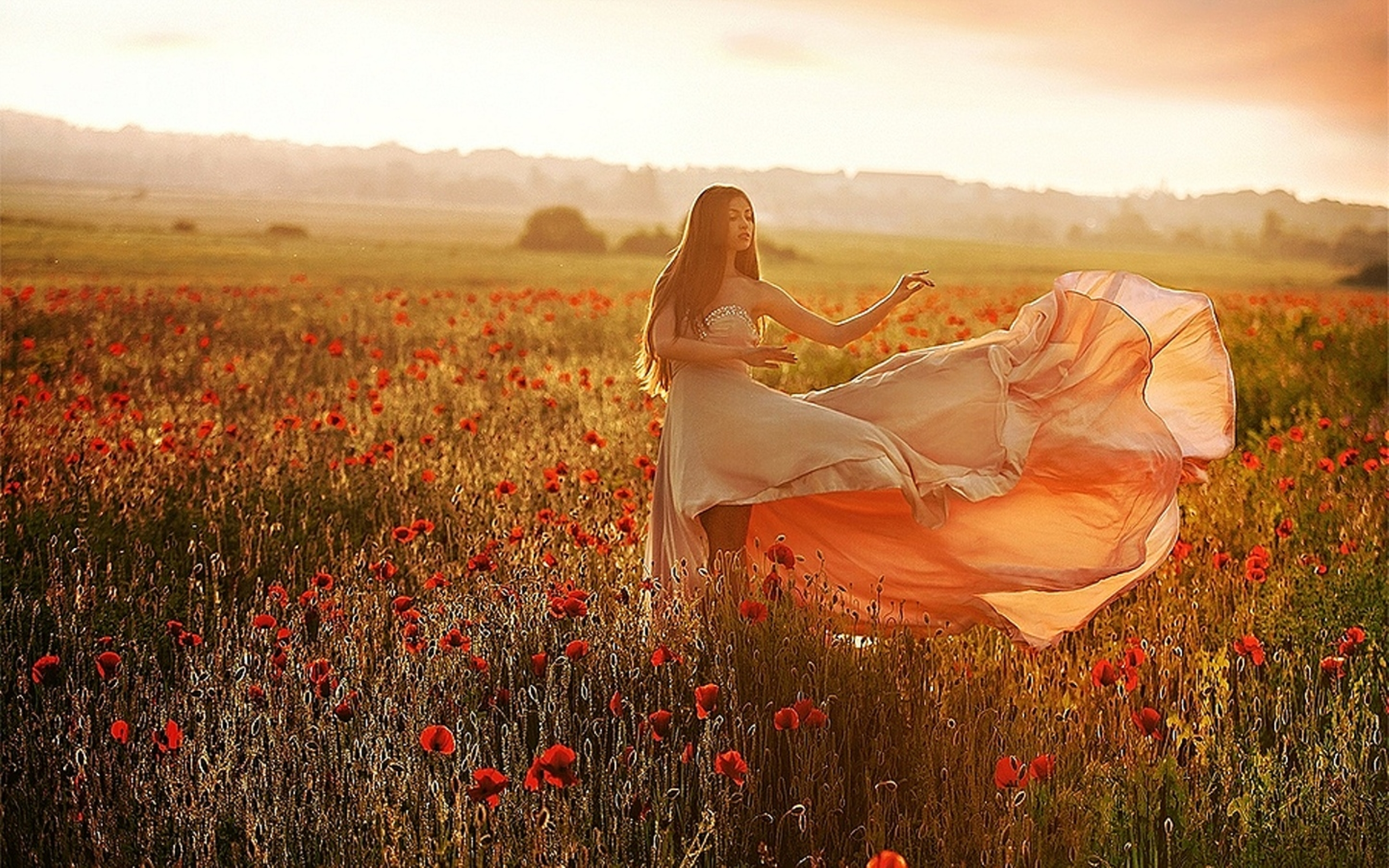 beautiful-dressed-girl-in-the-field